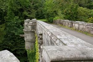 Overtoun Bridge, pretil
